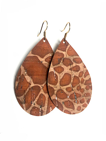 Grace cork earrings in giraffe
