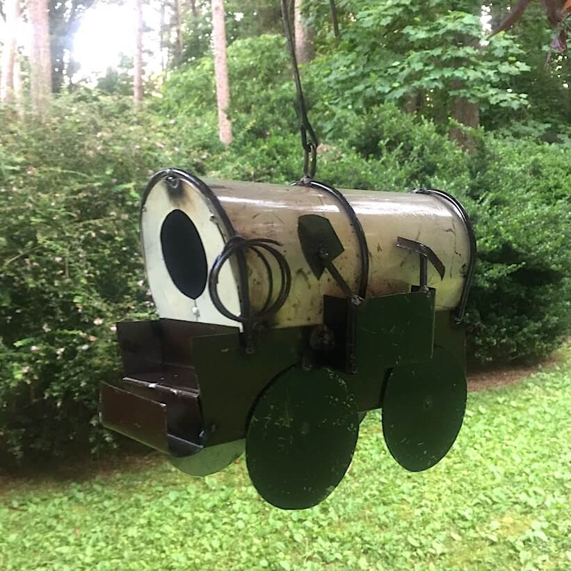 Covered Wagon Birdhouse