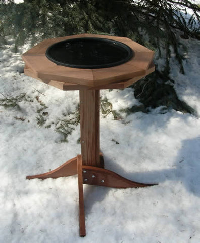 Heated Pedestal Bird Bath in Cedar