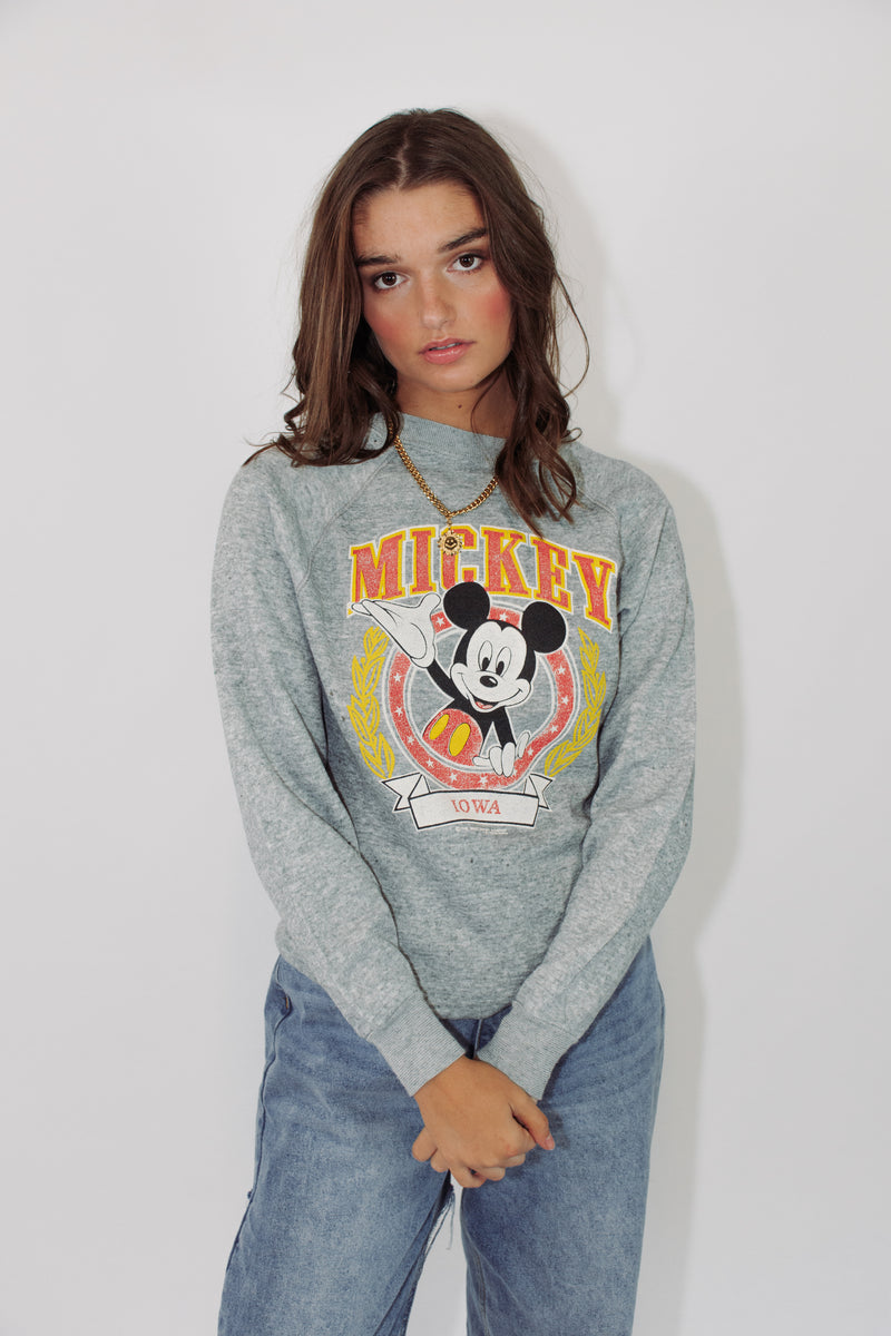 Vintage Disney Sweater || Mickey Iowa