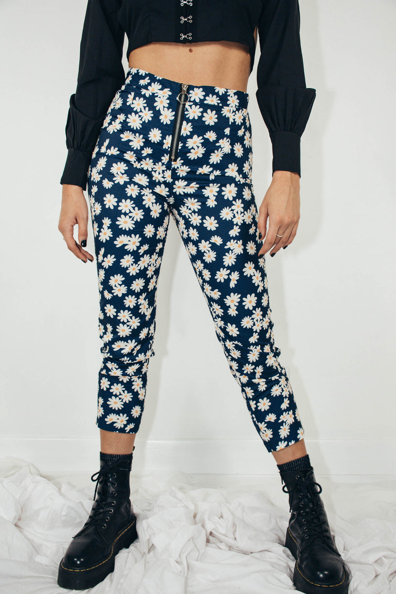 Mia Cropped Pants || Daisy