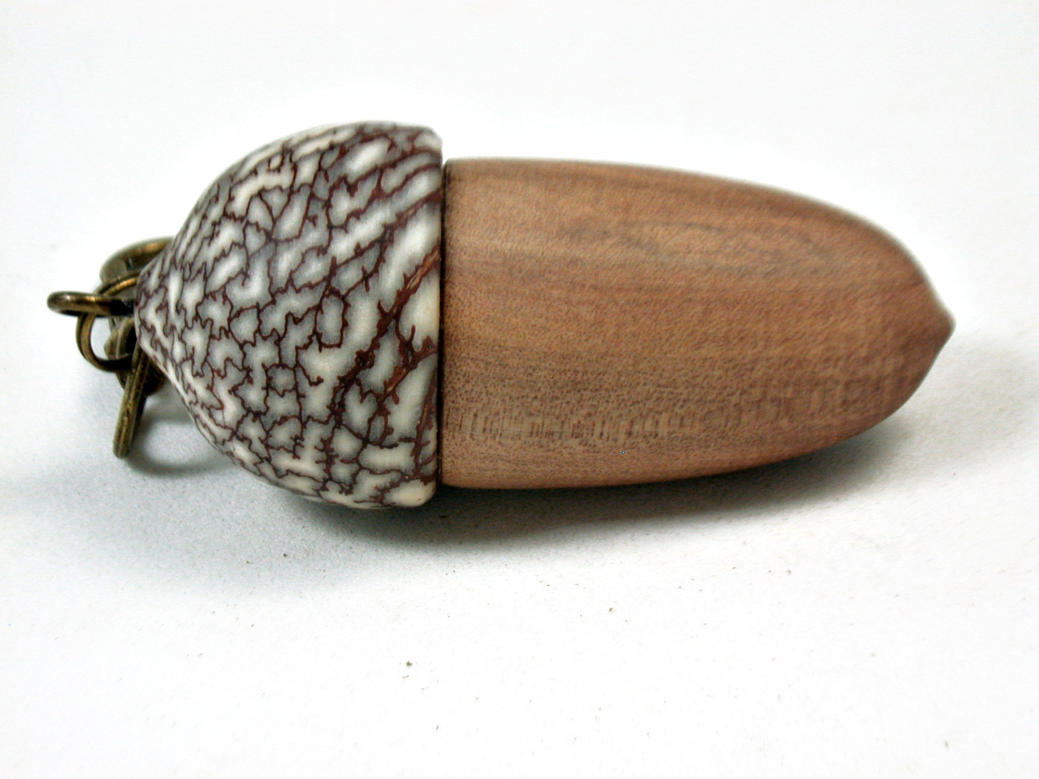 LV-3512  Sandalwood & Betelnut Acorn Box, Pill Holder, Compartment Pendant-SCREW CAP