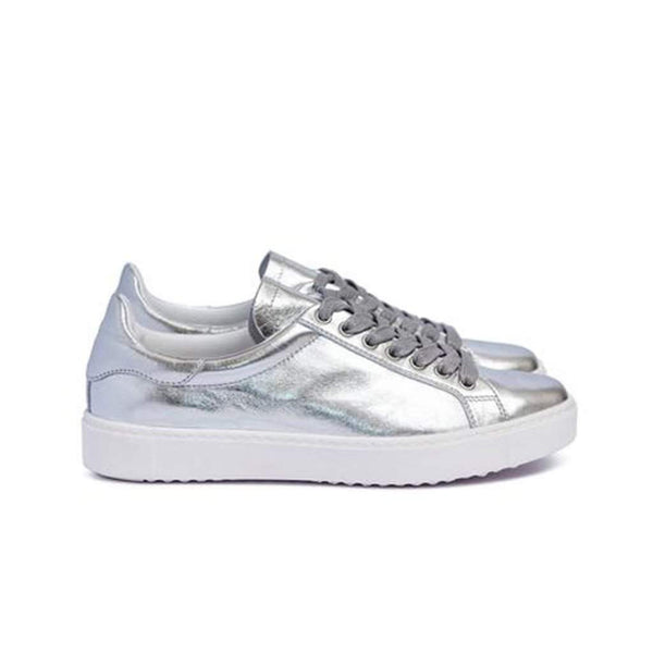 Dept of Finery Dixie Premium Silver Trainer
