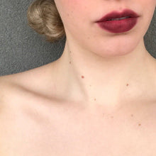Load image into Gallery viewer, MAARKS Lipstick Plum