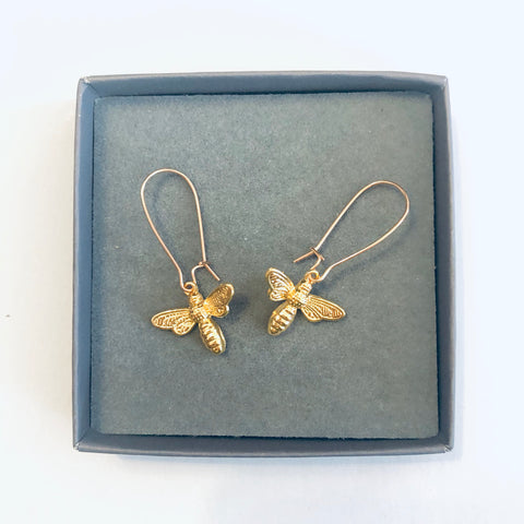 Bee earrings gold