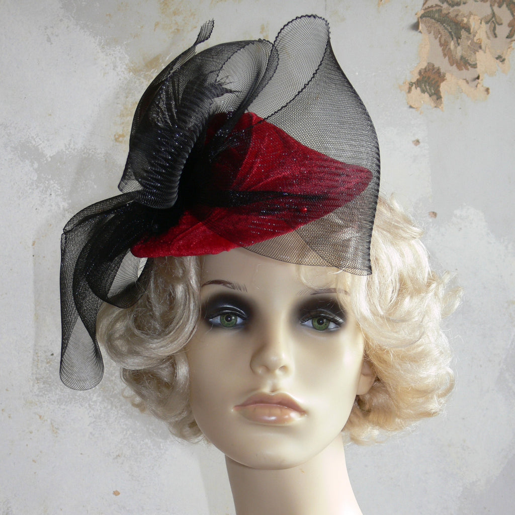 Pixie Hat - Red with bow