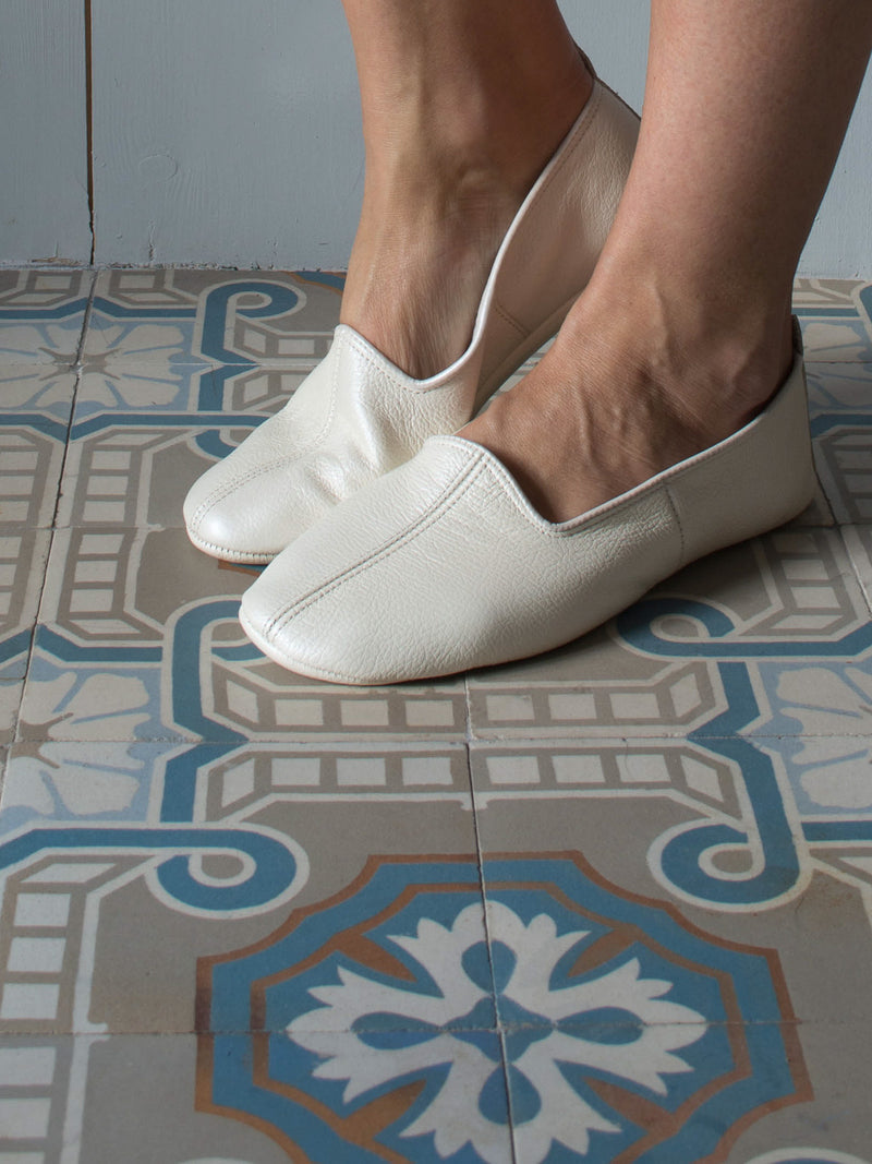 LEATHER SLIPPERS in CREME