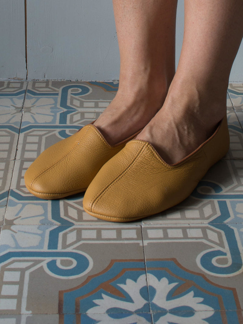 LEATHER SLIPPERS in OCHER YELLOW