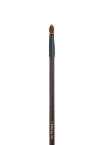 THE SMALL EYESHADOW SOFT ROUND TIP BRUSH