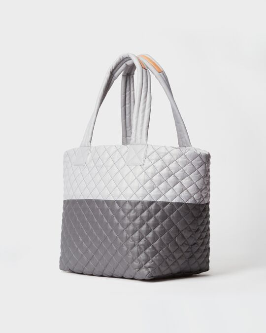 MEDIUM METRO TOTE in Fog/Magnet Colorblock