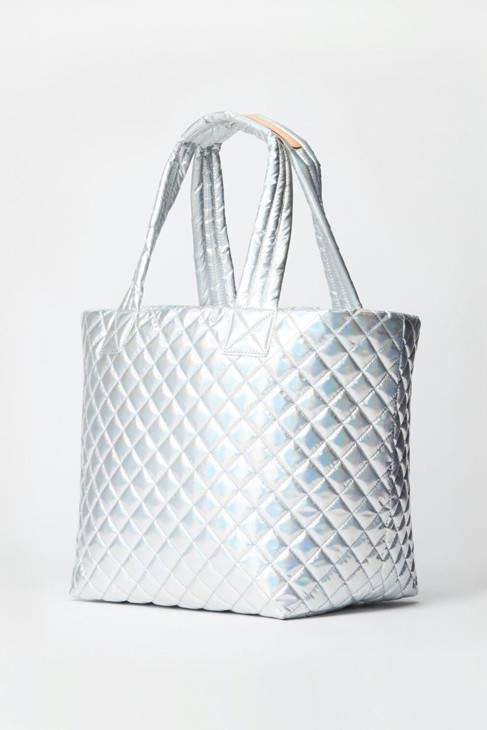 MEDIUM METRO TOTE in Hologram Metallic