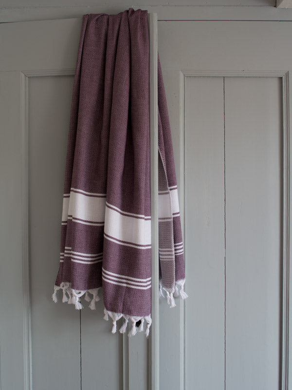HONEYCOMB TOWEL AUBERGINE/WHITE