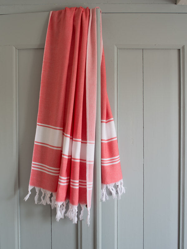 HONEYCOMB TOWEL CORAL RED/WHITE