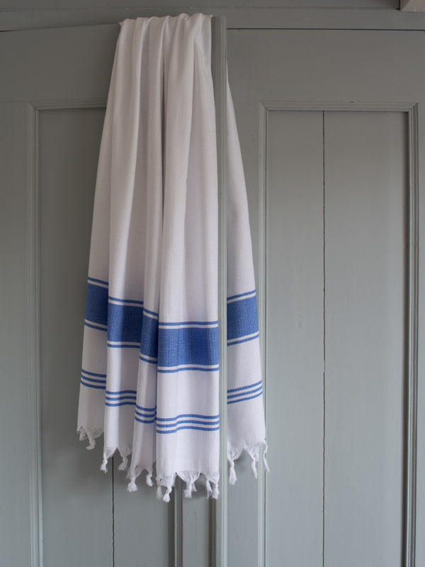 HONEYCOMB TOWEL WHITE/GREEK BLUE