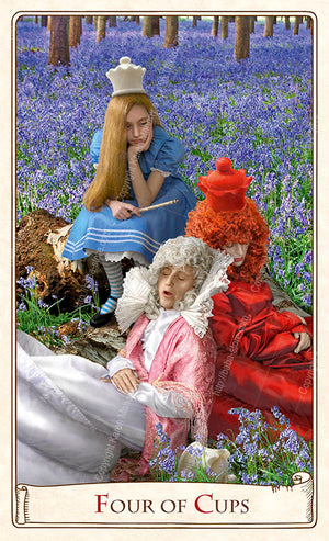 The Red Queen, Alice Tarot deck, Alice Tarot cards, Looking Glass, Alice's adventures in Wonderland, Queen of Wands