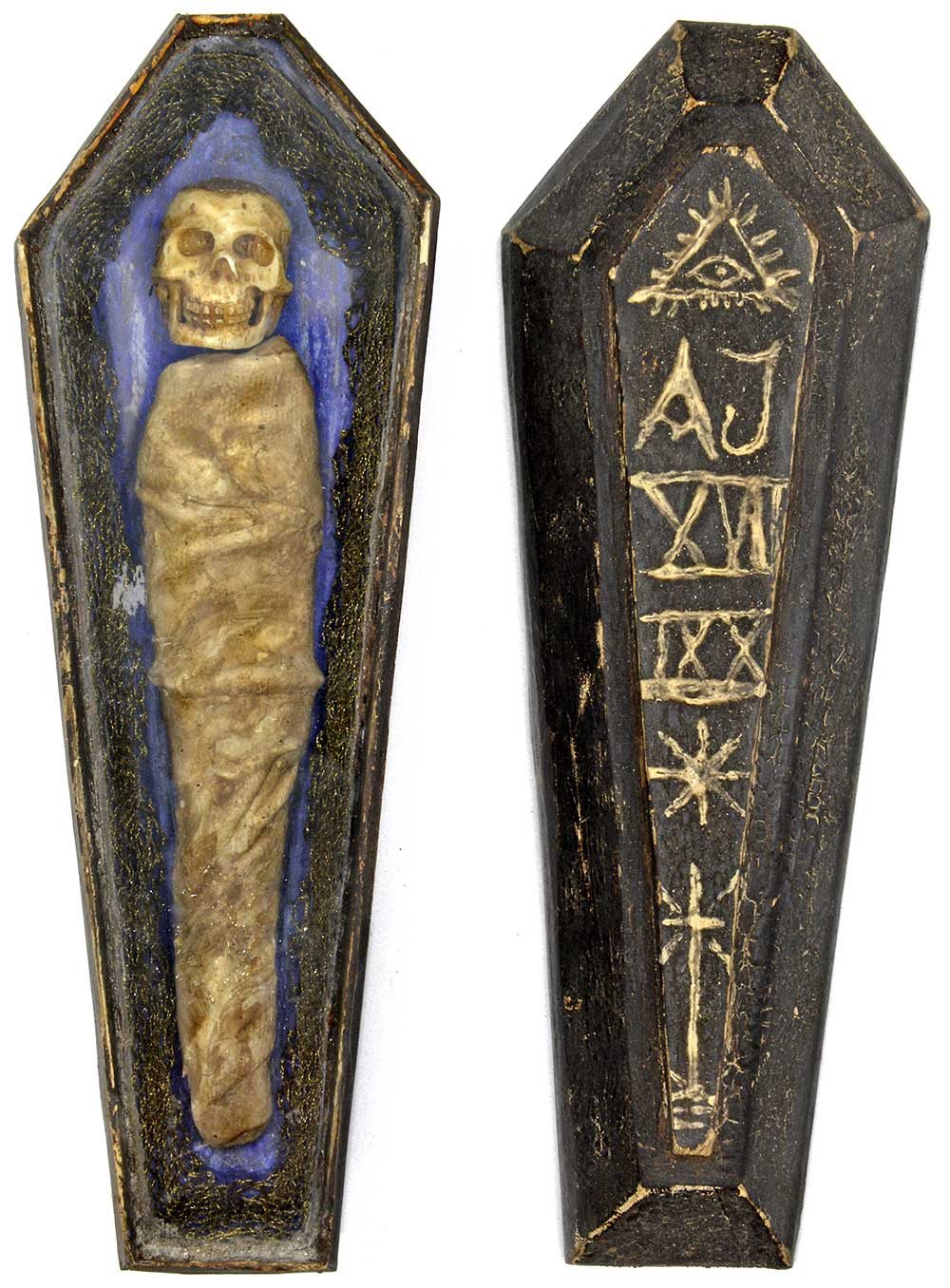 Todlein, german memento mori, antique skeleton in coffin