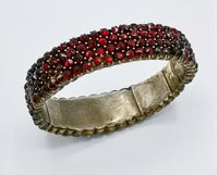 antique bohemian garnet bracelet - showing graduated shape