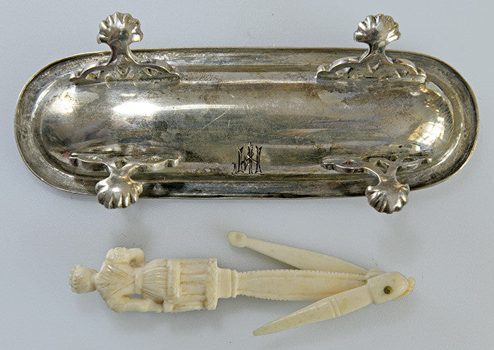 19th century bone toothpick (or bodkin?) in silver dish. Antique, strange piece, from a Czech castle estate. Possibly a Dieppe carving. - Baba Store - 8