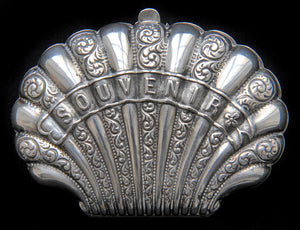 Paris souvenir solid silver antique coin purse in the shape of a shell. In great, usable condition. - Baba Store - 1