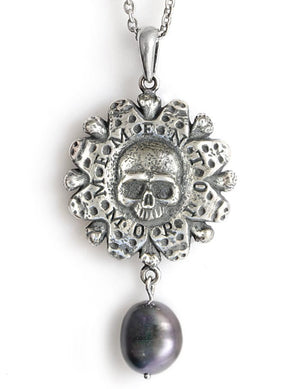 Memento Mori — Sterling silver pendant with black pearl - Baba Store - 1