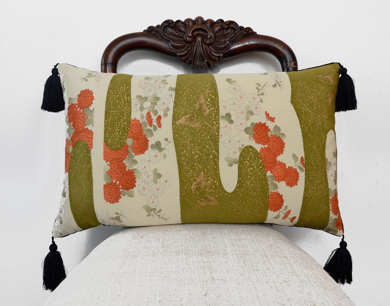 kimono cushion, japanese obi, silk, vintage, cushion, pillow, decorative pillow, tassels