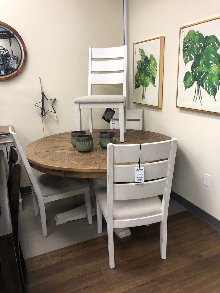 Grindleburg Table and 4 chairs