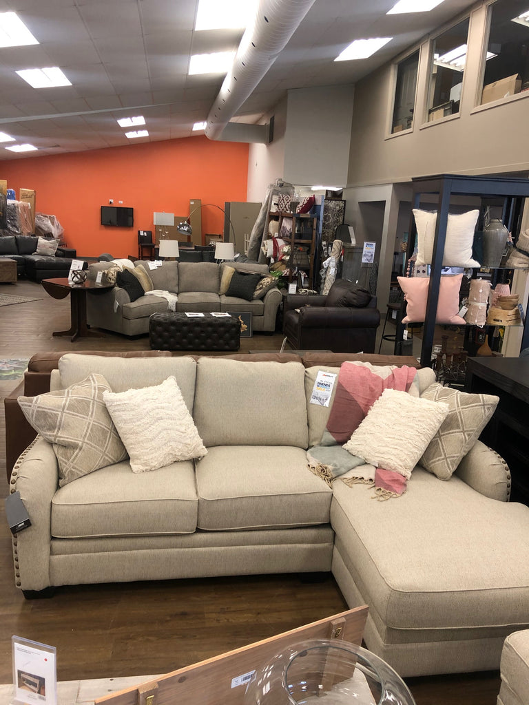 Luxora 2 pc Sectional