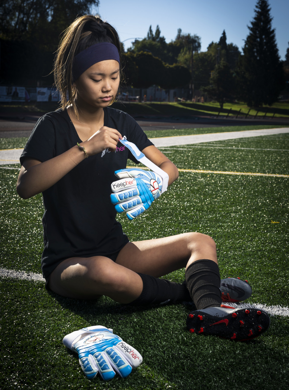 KEEPHER APD Goalie Gloves - soccergrlprobs