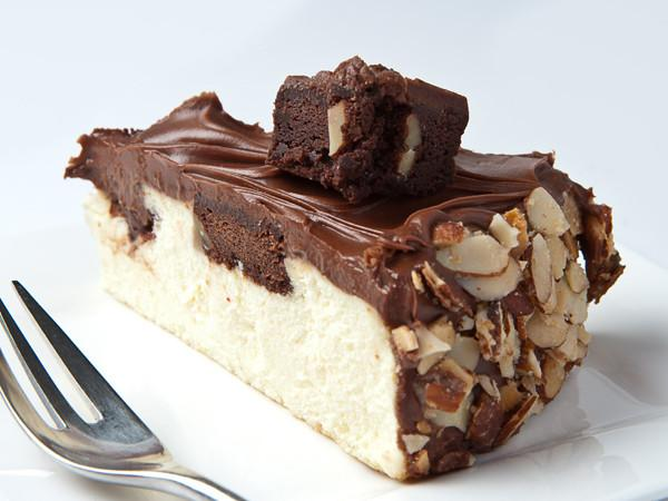 Fudge Brownie Cheesecake Slice