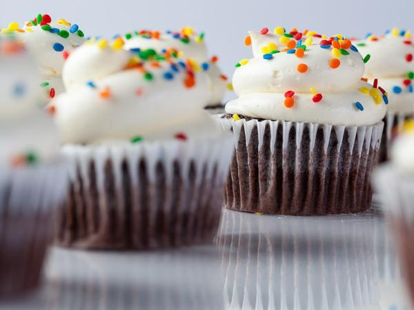 $1 Cupcakes for HELP of Southern Nevada Donation Event Freed's Bakery One Dozen Cupcakes Chocolate