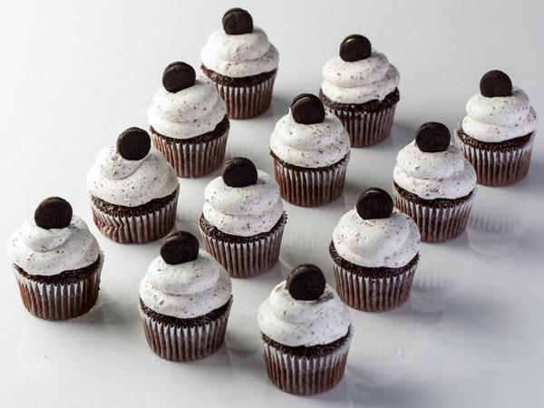 Cookies and Cream Cupcake Cupcake Freed's Bakery