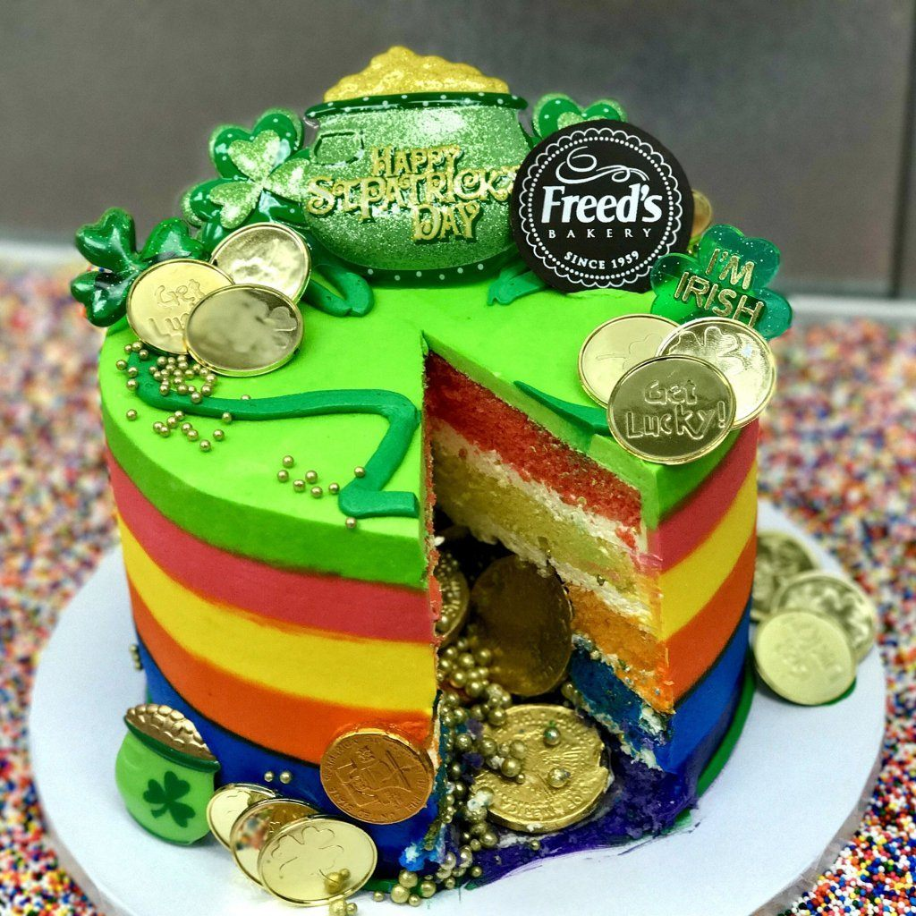 Gold at the Rainbow Theme Cake Freed's Bakery