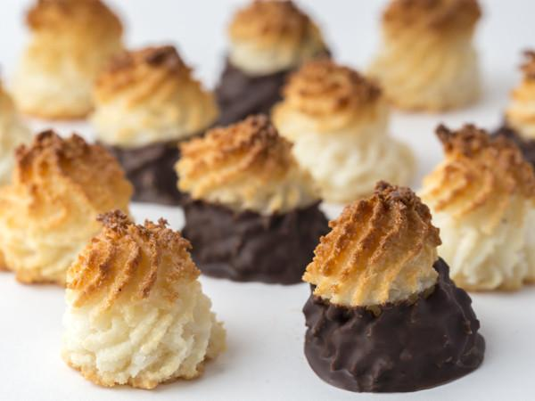Chocolate Dipped Coconut Macaroon (Nationwide Shipping)