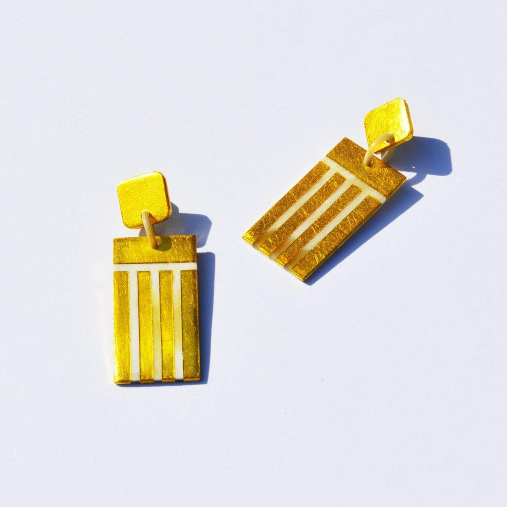 Sunshine Tienda Gold Comb Horn Earrings