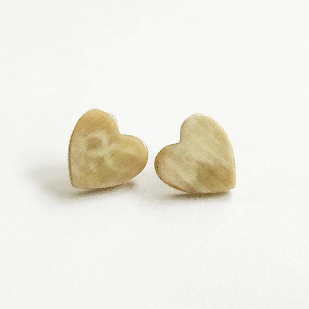 Sunshine Tienda Heart Natural Horn Earrings