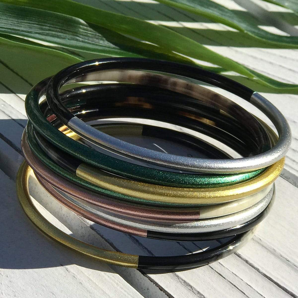 Sunshine Tienda Metallic Horn Bangle Set