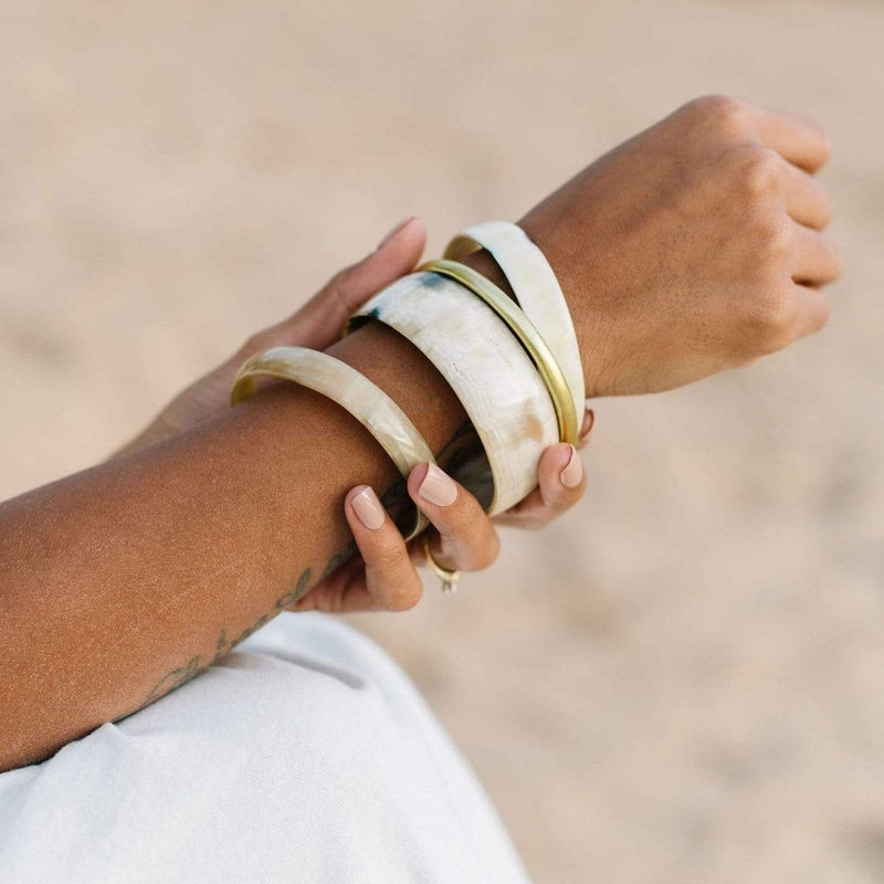 Sunshine Tienda Natural Horn with Gold Bangle Set