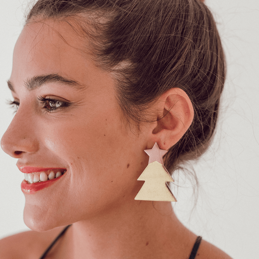 Sunshine Tienda Pink Christmas Tree Horn Earrings