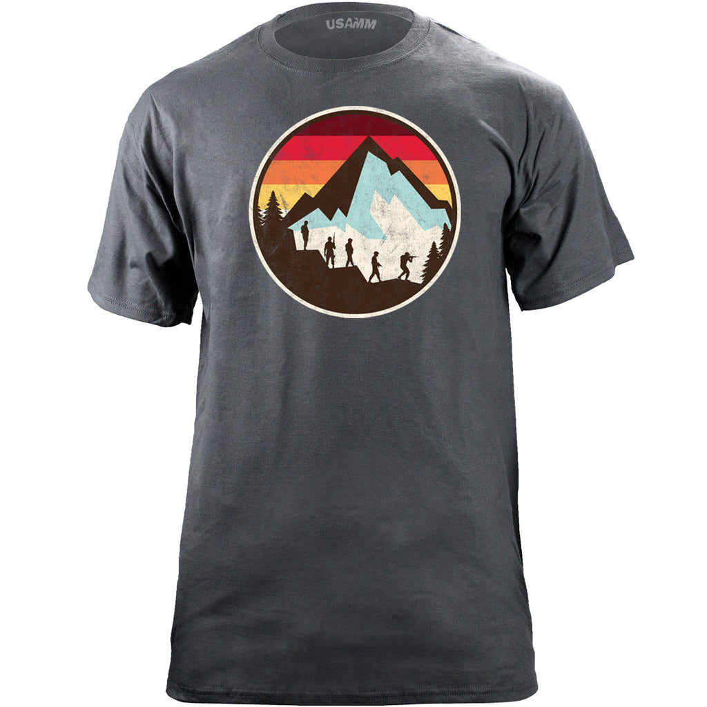 Retro Soldiers Mountain Sunset Art Print T-Shirt