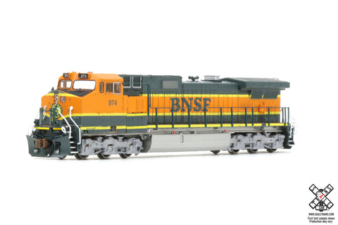 Operator N Scale GE DASH 9-40CW Diesel Locomotive by ScaleTrains.com