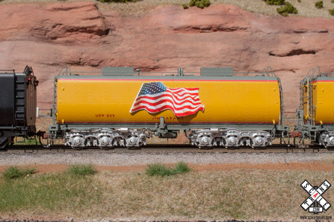 Rivet Counter HO Scale Union Pacific Steam Excursion Post-2006 Water Tender, UP/Jim Adams/Flag/#809 by ScaleTrains.com