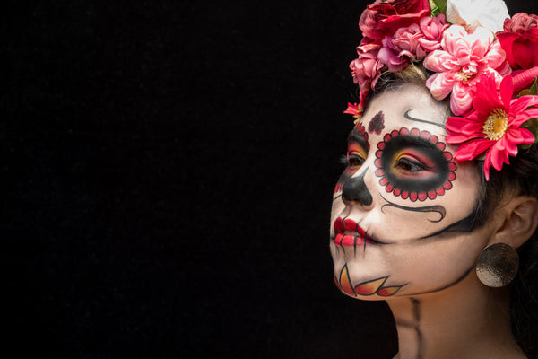 Día de los Muertos: A Day of the Dead and A Celebration of Life