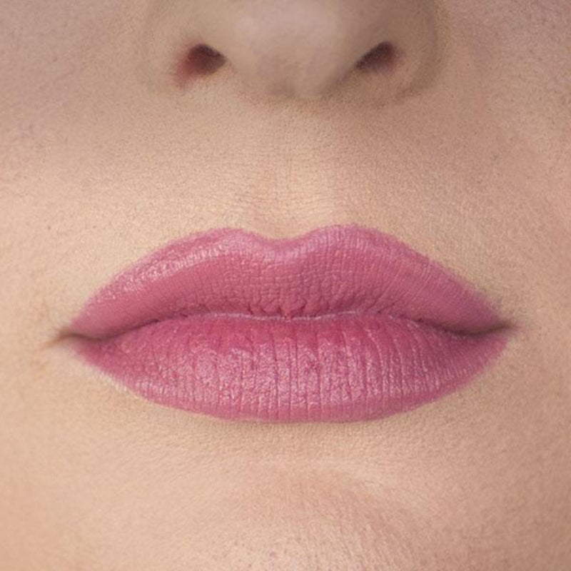 Classic Color lipstick Loves First Kiss