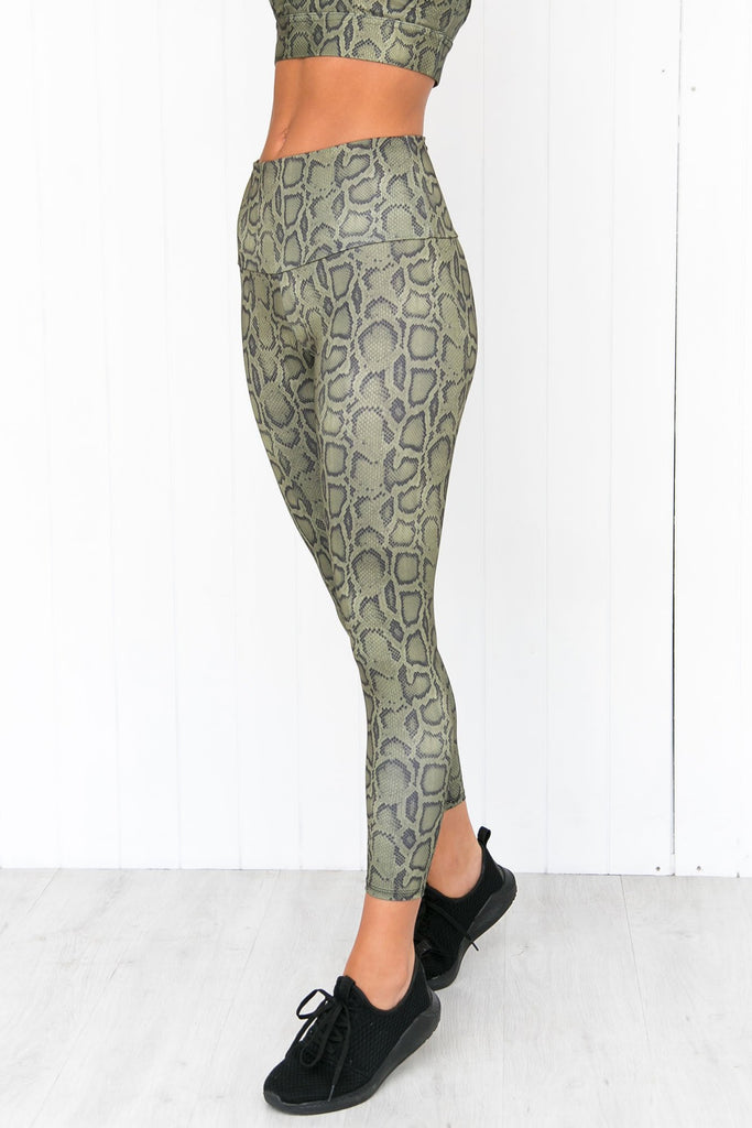 Cobra High Rise Midi Legging - PURE DASH