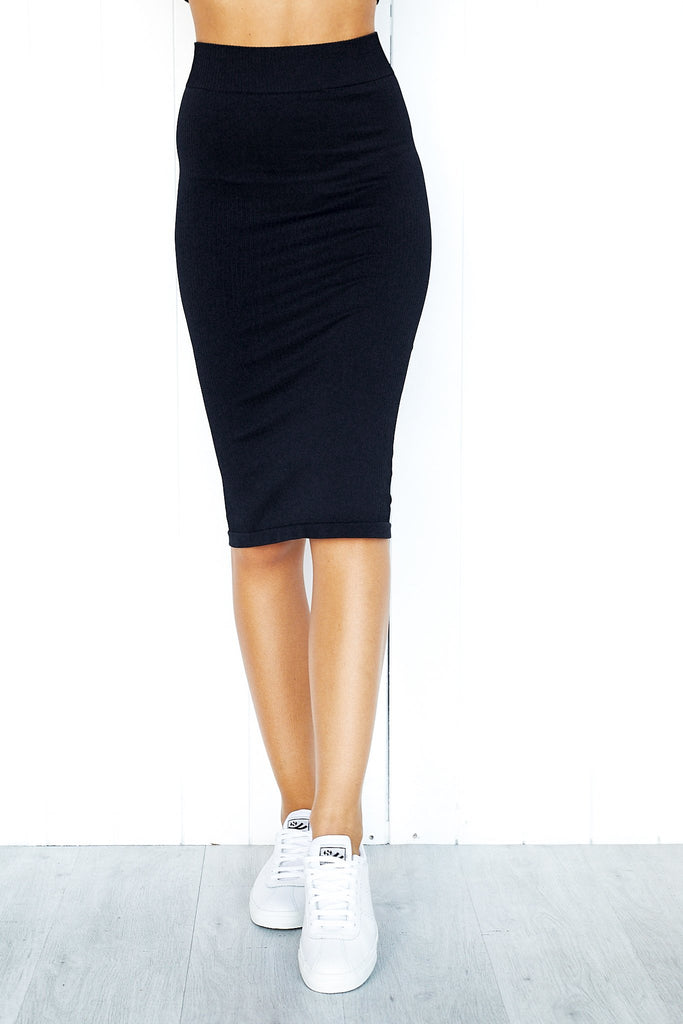 Black Ribbed Seamless Skirt - PURE DASH