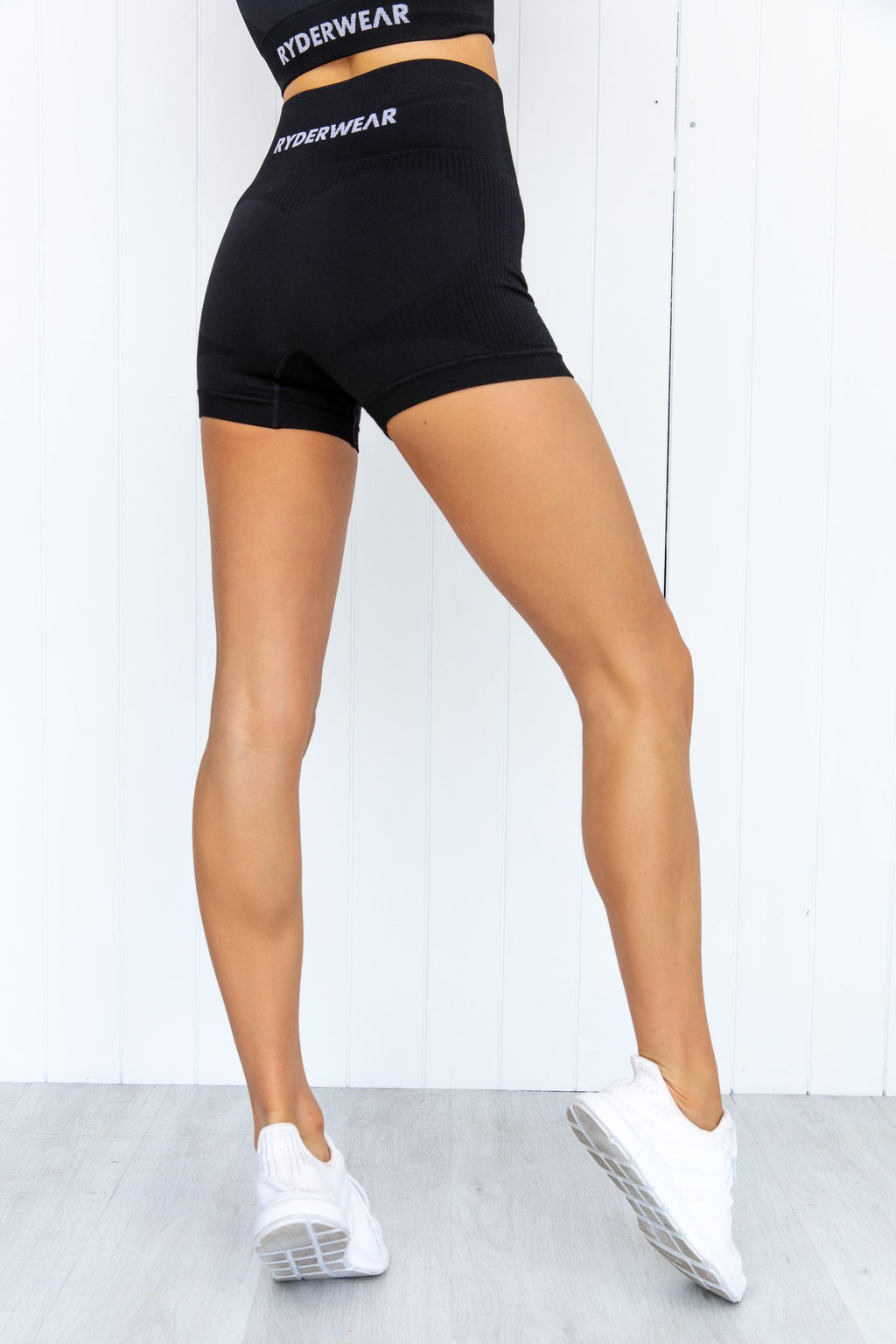 Electra Seamless Shorts - Black