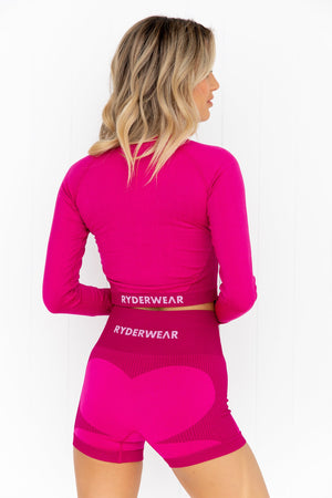 Electra Seamless Long Sleeve Crop - Electric Pink