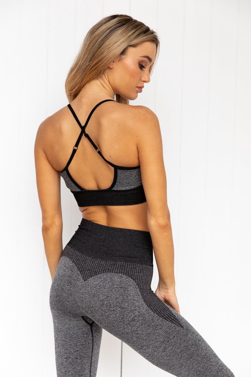 Oasis Seamless Sports Bra - Black Marl - PURE DASH