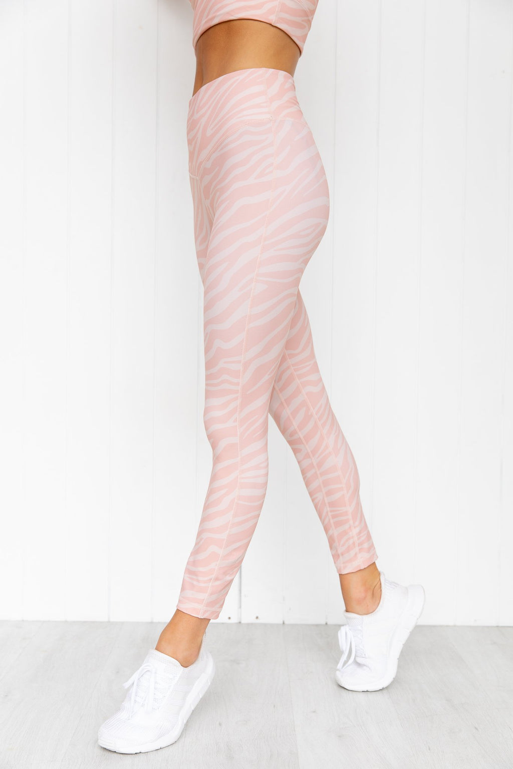 Open Oasis 7/8 Legging - PURE DASH