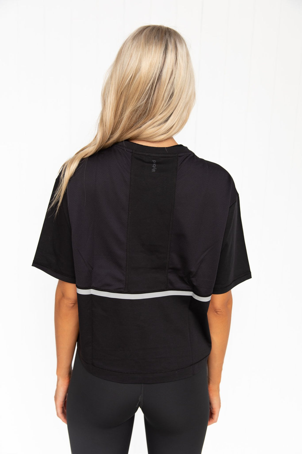 Yvette Graphite Black Crop Tech Tee - PURE DASH